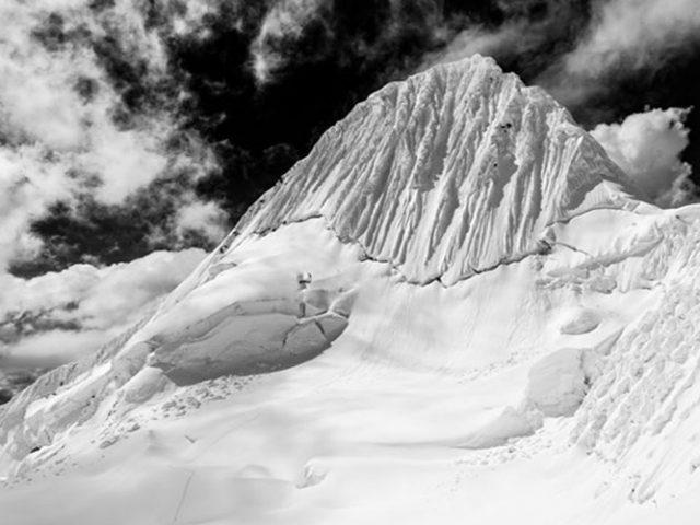 Climbing Alpamayo (5947m – 19506ft) – 7 Days