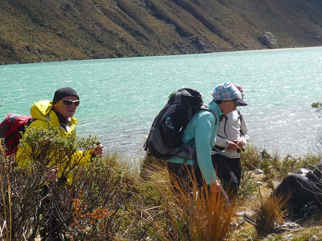 Santa Cruz trekking – 4 Days / 3 Nights