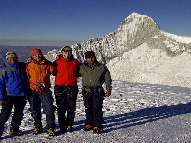 Huayhuash Trekking + Pisco Climbing – 15 Days
